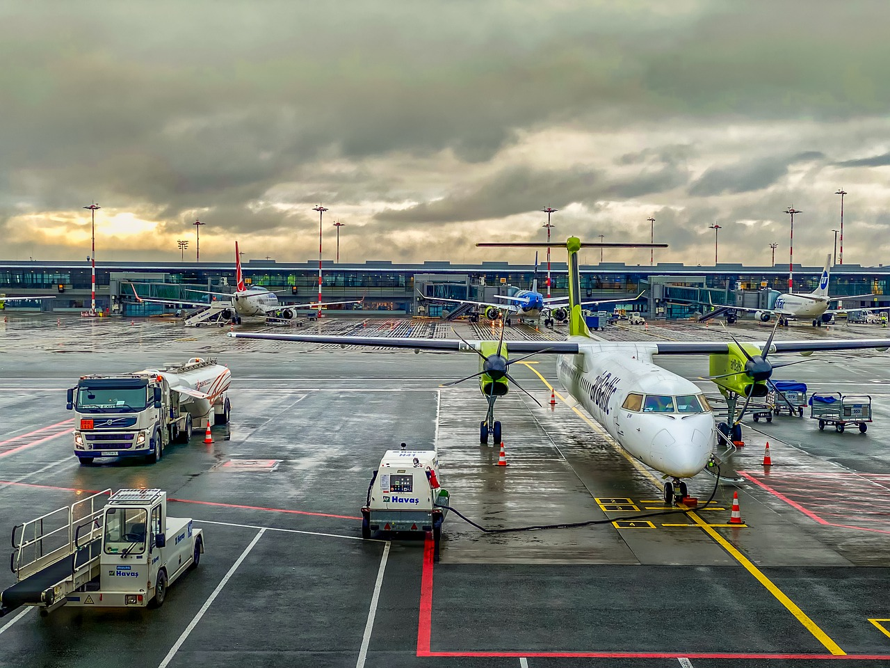 the plane, airport, sky